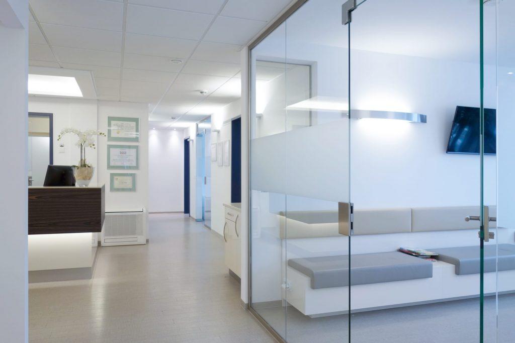 Zahnarzt in München in Berg am Laim im Wartezimmer